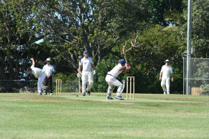R9 JPD Ties Down the Dee Why Batsmen